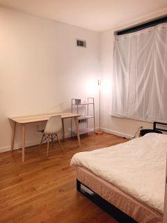 Prime location 2 bed 1 bath apartment