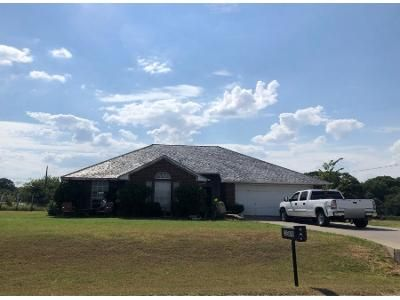 Preforeclosure Property in Azle, TX 76020 - English Creek Ct
