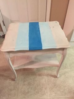 EUC side table needs painting very light but sturdy