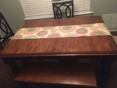 Shabby Chic Table w/ 3 chairs & bench + leaf