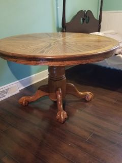 Round Eagle Claw Foot Solid Oak Table