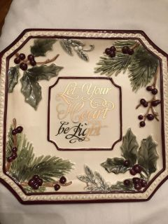 NWT Grasslands Road Giftable Christmas Accent Plate