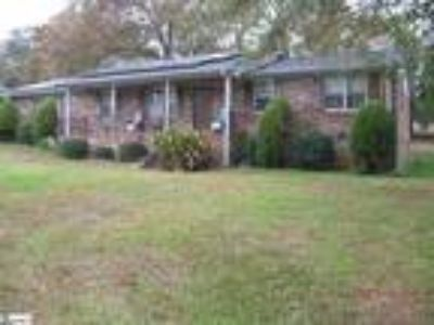 Ready to move into. All Brick Ranch single st...