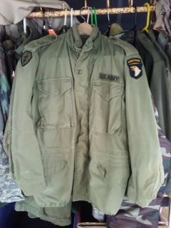 VINTAGE VIETNAM WAR ERA FIELD JACKET