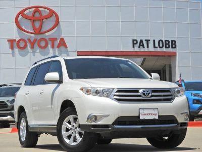 2011 Toyota Highlander Base (Blizzard Pearl)