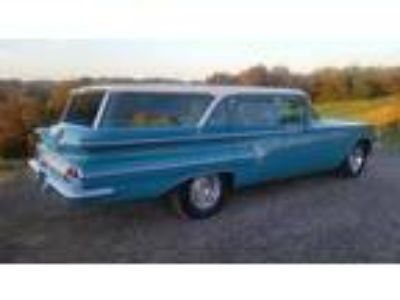 1960 Chevrolet Impala 6 Passenger Wagon