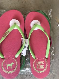 Pink flip flops size 6 small