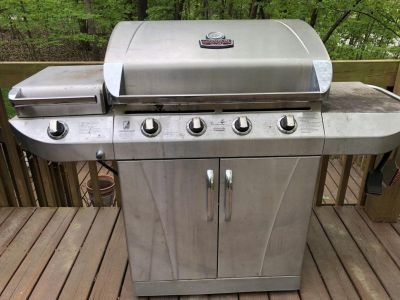 Stainless steel propane grill