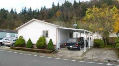 15400 SE 155th Place #57 Renton Three BR, Light-filled home