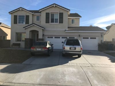 Room for rent West Lancaster Private Entrance w Pool & Jacuzzi