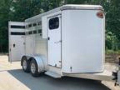 Sundowner 2 Horse Bumper Pull Slant Load 2015
