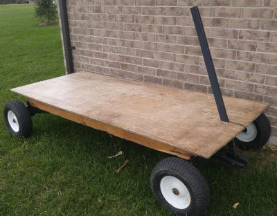 Large, Heavy Duty, Solid metal cart!
