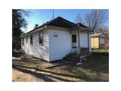 2 Bed 1 Bath Foreclosure Property in Mchenry, IL 60050 - Parkview Dr