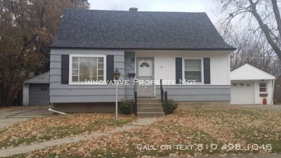 Inviting 3 Bedroom, 1 Bath Home. Two weeks free!