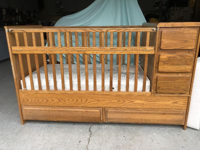 Crib / Toddler Bed and Changing table/ dresser