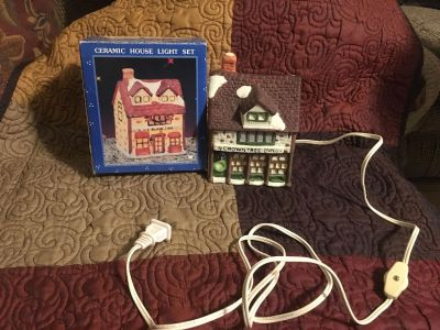 Light Up Christmas Village Crown Tree Inn in Box 6 tall by 4 wide Swap Only