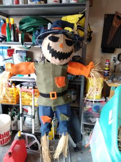 Brand new without tags burlap scarecrow