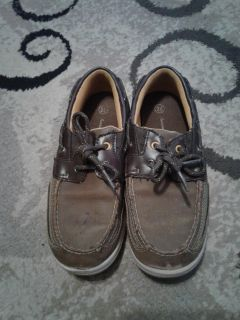 Size 2.5 boat shoes