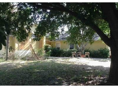 3 Bed 2 Bath Foreclosure Property in Eustis, FL 32726 - Stardust Ave
