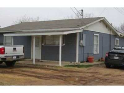 3 Bed 1 Bath Foreclosure Property in San Angelo, TX 76903 - Columbia St