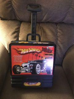 Hot Wheels carry case with handle and wheels