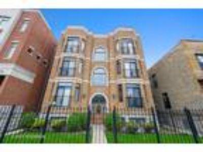 Chicago Two BR Two BA, 2022 North Wood Street 3S