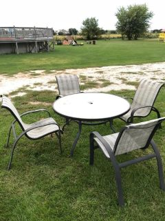 Patio table/chair set