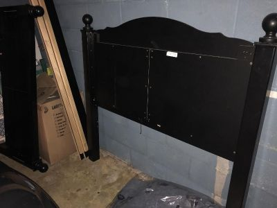 Full/queen size bed frame