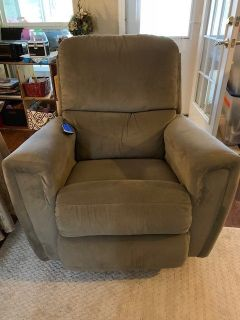 Lazy Boy Power Rocker Recliner