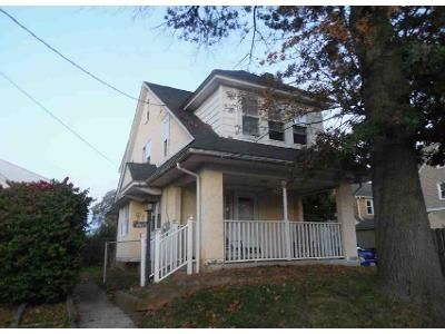 4 Bed 1 Bath Foreclosure Property in Drexel Hill, PA 19026 - Burnley Ln