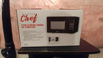 Master Chef 700W Microwave