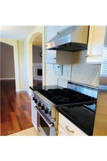 3 bedrooms Townhouse - Wonderful Bright and Spacious Town Home.