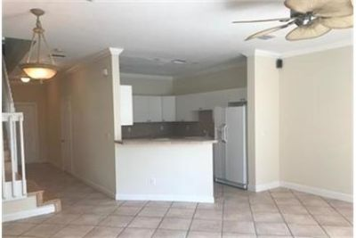 Great town home in Fort Lauderdale. Pet OK!