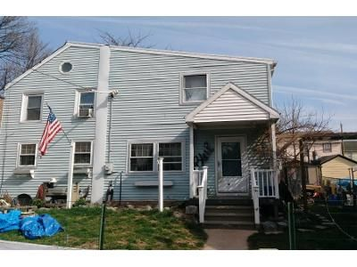 2 Bed 1 Bath Preforeclosure Property in Pottstown, PA 19464 - South St