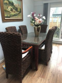 Unique quality rattan dining table and chairs
