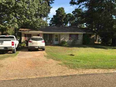 128 Lakeshore Dr Texarkana Two BR, fIRM PRICE TX.GREAT