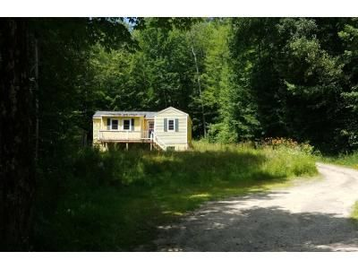 2 Bed 1 Bath Foreclosure Property in Wolfeboro, NH 03894 - Beach Pond Rd