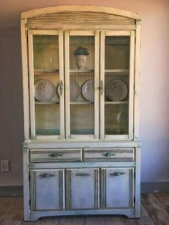 Chippy China cabinet and hutch