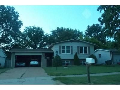 4 Bed 2 Bath Foreclosure Property in Maryland Heights, MO 63043 - Boward Ct