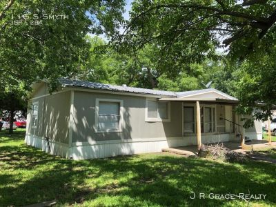 Single-family home Rental - 116 S Smyth