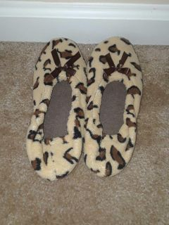 SPOTTED HOUSE SLIPPERS