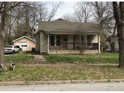 3 Bed 1.5 Bath Foreclosure Property in Springfield, MO 65803 - N Sherman Ave