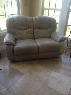 Lay-z-Boy leather loveseat recliner