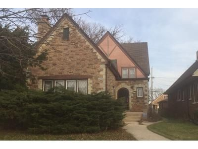 3 Bed 2 Bath Preforeclosure Property in Milwaukee, WI 53209 - N 15th St