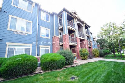 Beautiful Condo with Huge Vaulted Ceilings! - 2 bed 2 bath