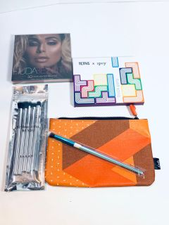 Bundle Huda Beauty 3D highlight pallet, Tetris x Ipsy block party 6 eyeshadow palette, $30
