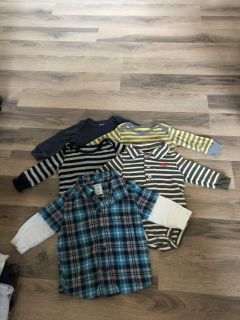 Size 3 months (4 onesies and 1 button up)