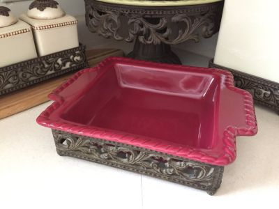 NEW GRACIOUS GOODS GG COLLECTION Rustic Tuscan cranberry red rust bake ware baker serving tray