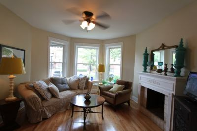 $1900 2 apartment in West Suburbs