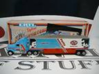 RICHARD PETTY #43 STP ESMARK Petty Enterprises Transporter